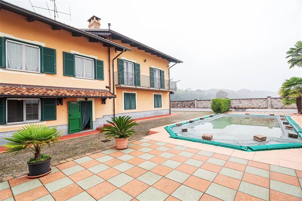 Villa in vendita a Carisio, 9 locali, prezzo € 350.000 | PortaleAgenzieImmobiliari.it