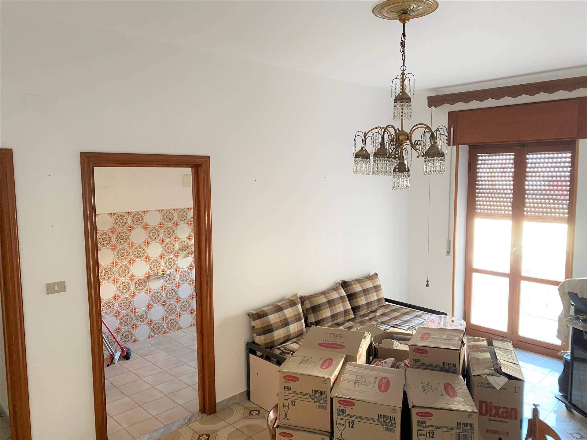 Appartamento in vendita a Ceglie Messapica, 3 locali, prezzo € 65.000 | CambioCasa.it