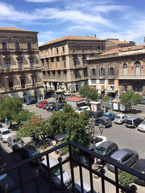 Quadrilocale, Via Etnea - Via Umberto, Catania, da ristrutturare