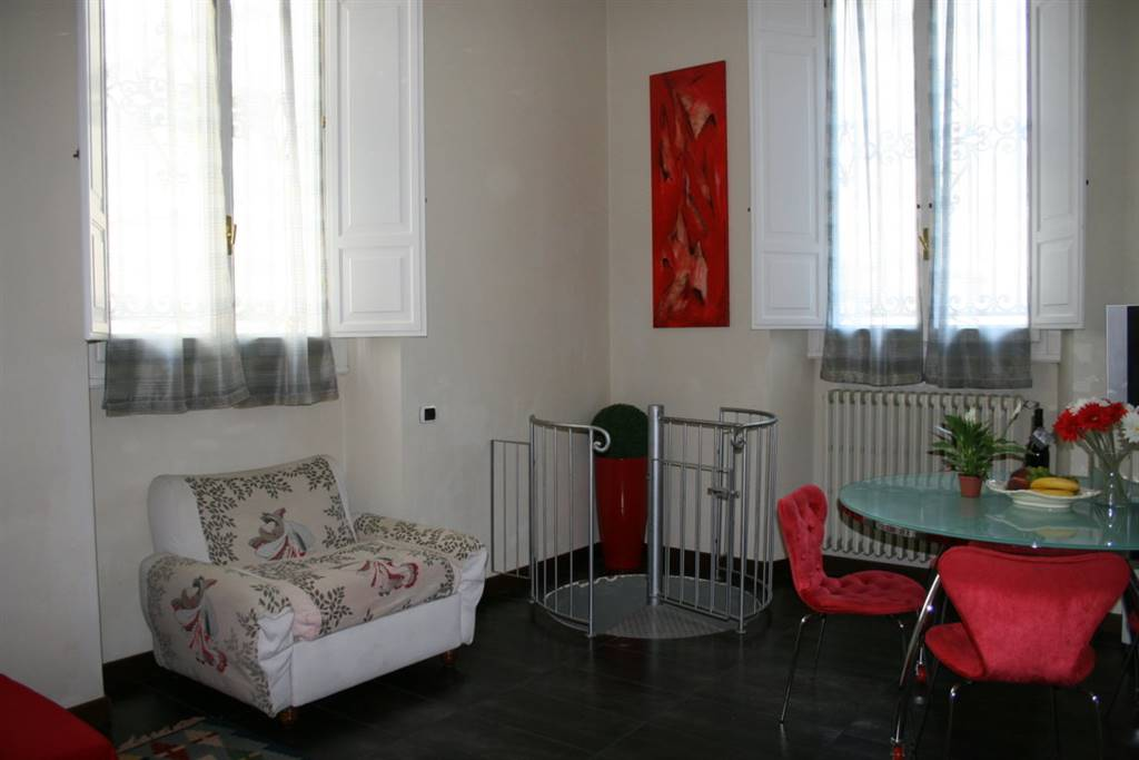 INDIPENDENZA, FIRENZE, Apartment for the vacation for rent of 90 Sq. mt., Excellent Condition, Heating Individual heating system, Energetic class: G,
