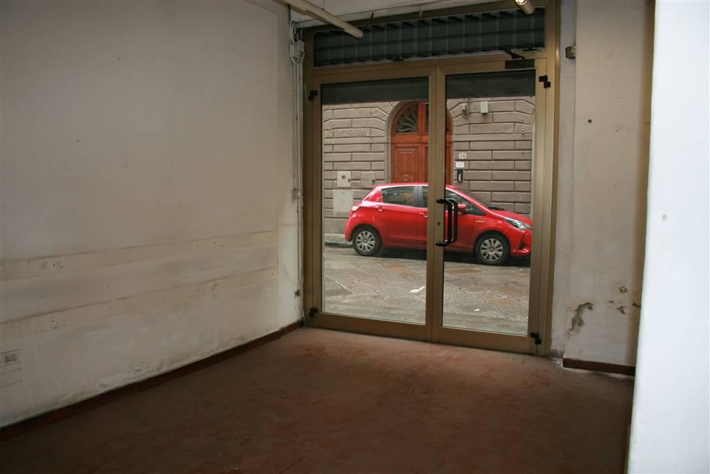 SANT' AMBROGIO, FIRENZE, Locale commerciale in affitto di 120 Mq, Da ristrutturare, Riscaldamento Autonomo, Classe energetica: G, posto al piano