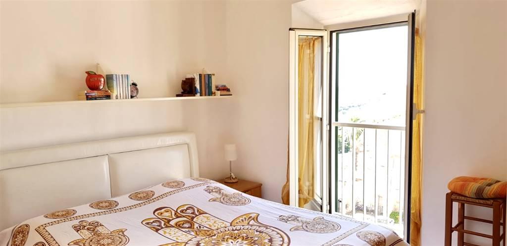 Appartamento in vendita a Terracina, 3 locali, prezzo € 120.000   CambioCasa.it