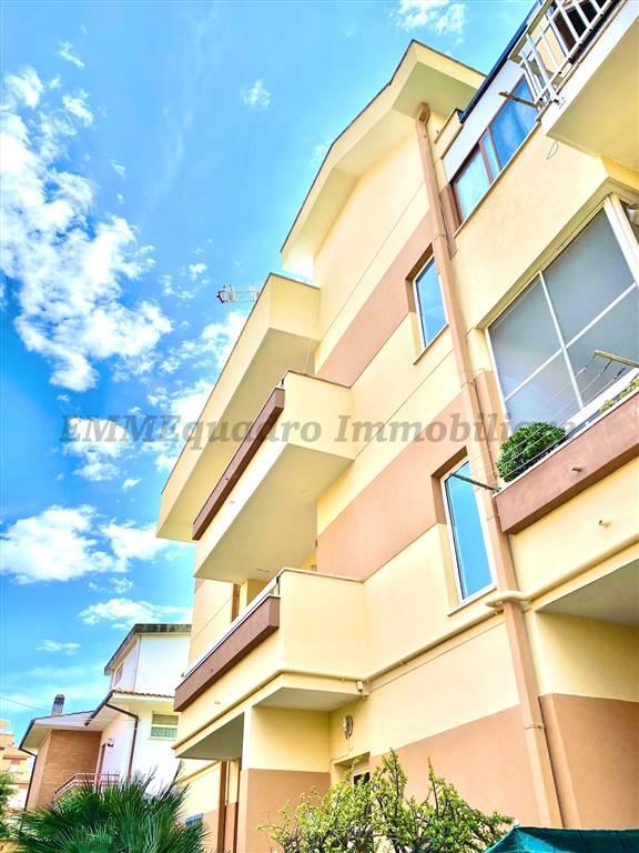 Appartamento in vendita a Terracina, 3 locali, prezzo € 185.000   CambioCasa.it