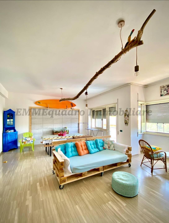 Appartamento in vendita a Terracina, 4 locali, prezzo € 280.000 | CambioCasa.it