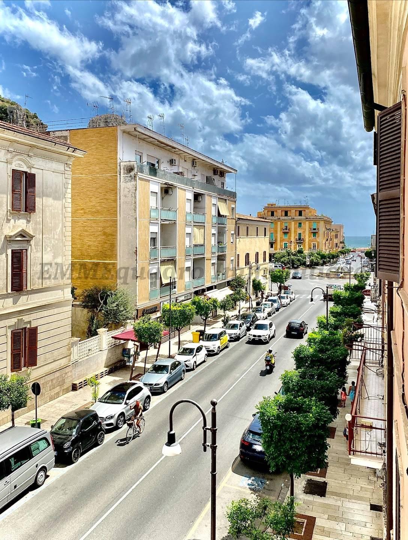 Appartamento in affitto a Terracina, 4 locali, prezzo € 1.200   CambioCasa.it