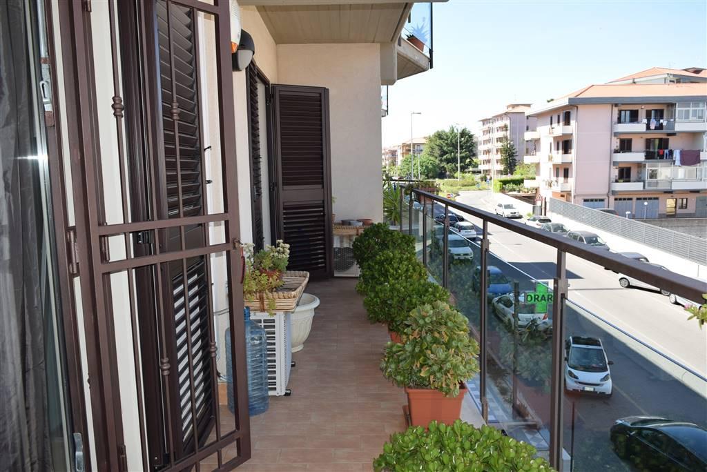 balcone soggiorno- studio-camera da letto