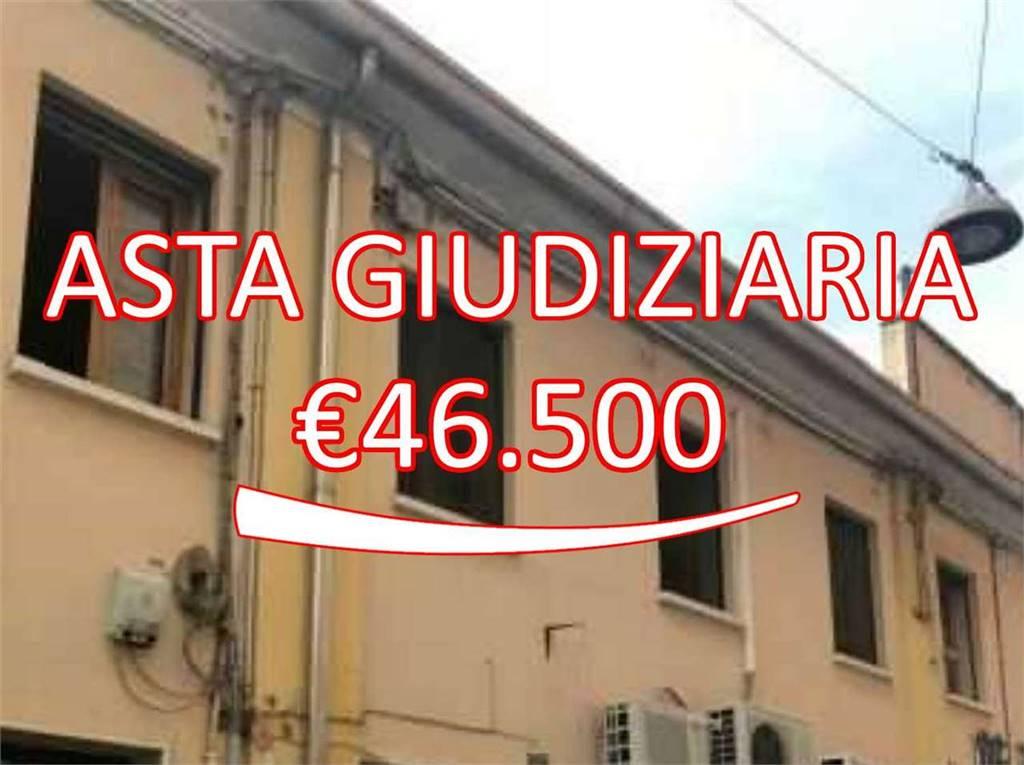 Trilocale in Via Benedetto Cairoli 4 a, Arcella, Padova