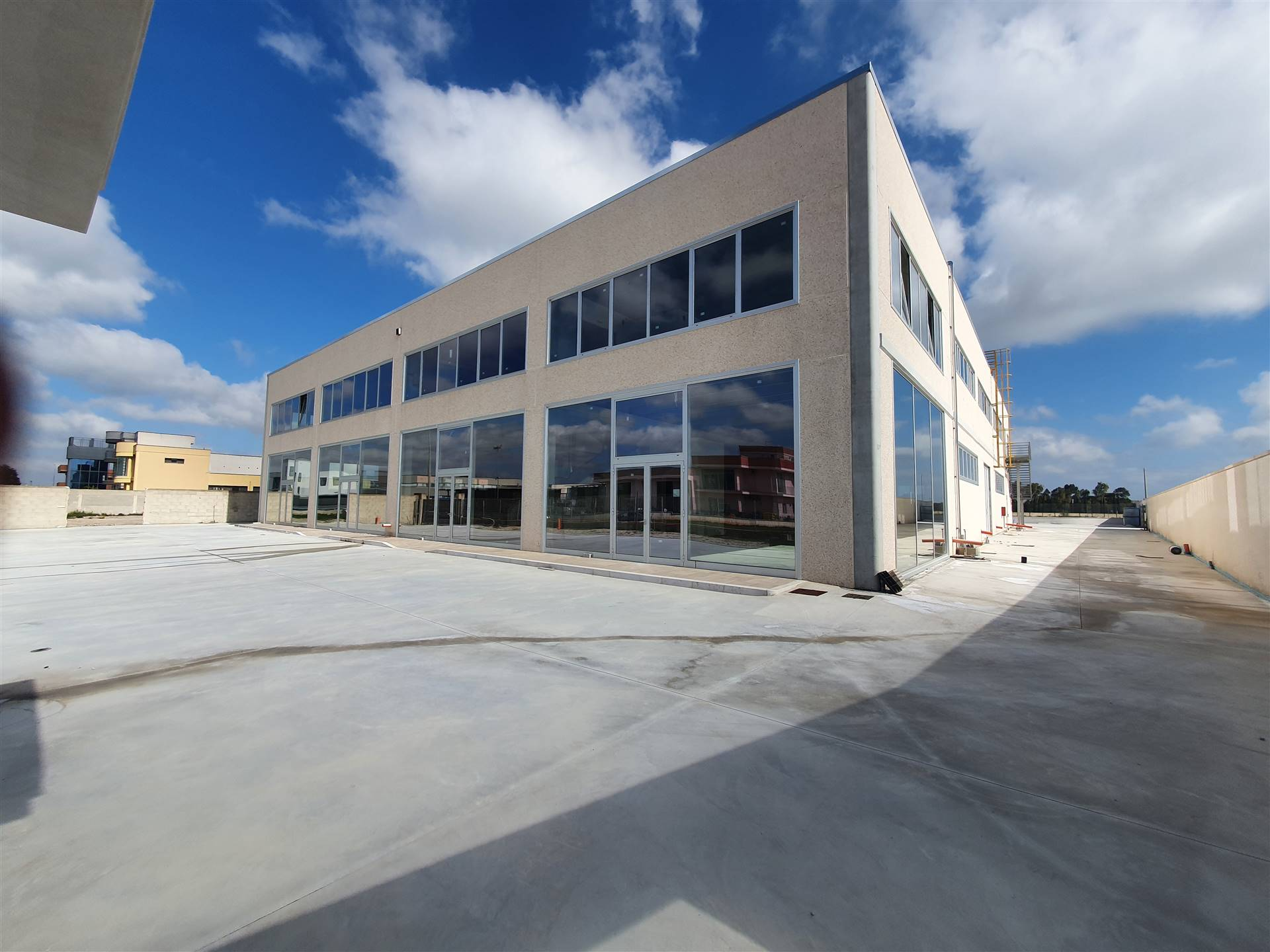SURBO, Industrial warehouse for rent of 3200 Sq. mt., New construction, Energetic class: Not subject, placed at Ground on 2, composed by: 2 Rooms, 6