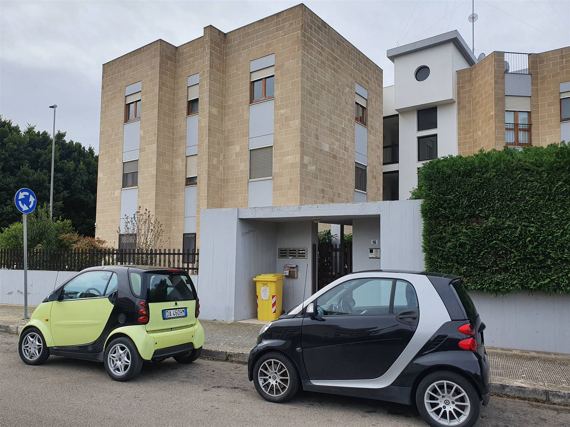 P. PARTIGIANI, LECCE, Apartment for rent, Good condition, Heating Individual heating system, Energetic class: C, placed at 1°, composed by: 3 Rooms,