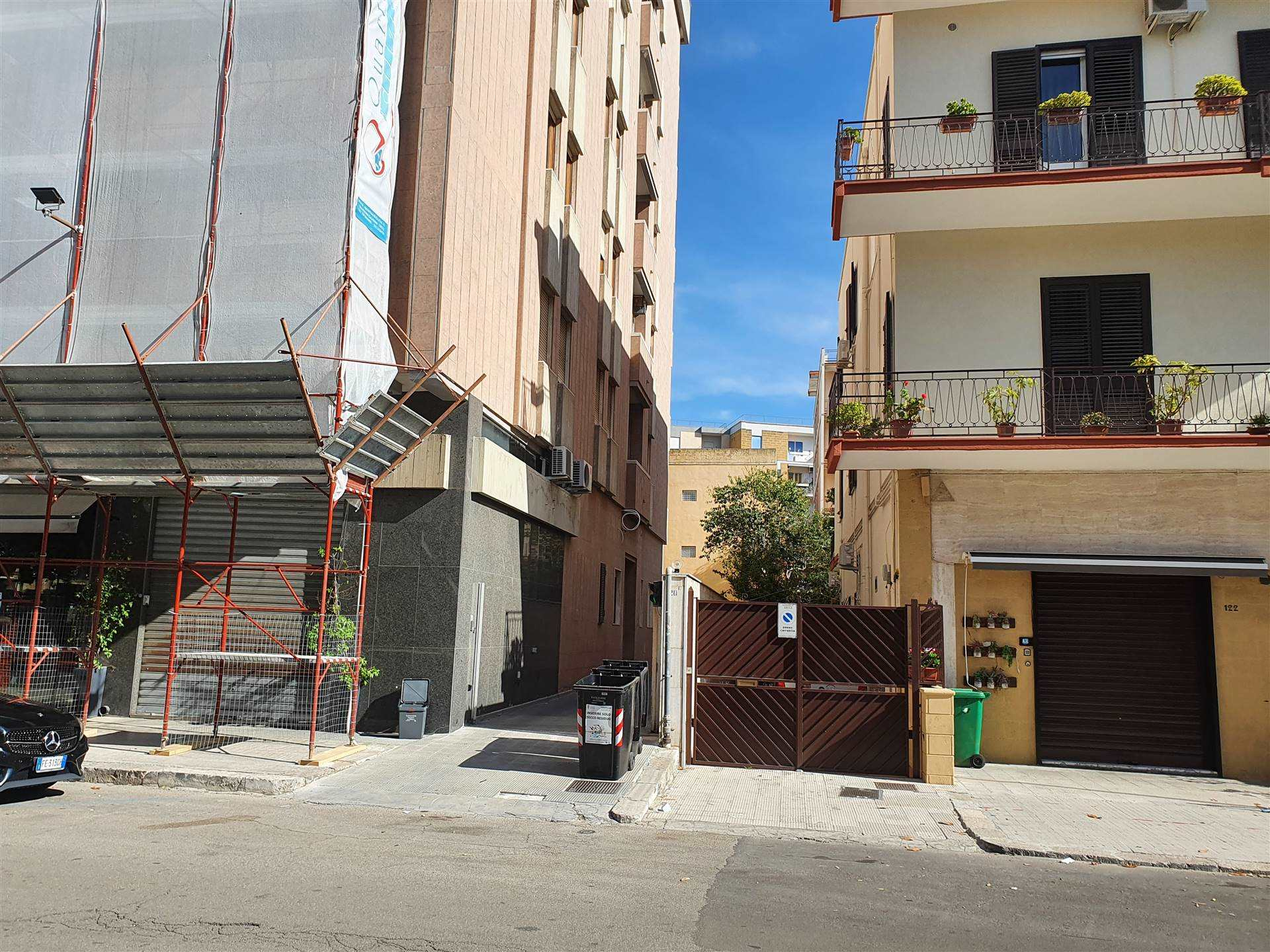 MAZZINI, LECCE, Garage / Parking space for rent of 19 Sq. mt., placed at Buried, composed by: 1 Room, Price: € 150