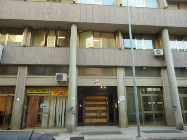 MAZZINI, LECCE, Office for rent, Good condition, Heating Individual heating system, Energetic class: G, Epi: 48,97 kwh/m3 year, placed at 1° on 4,