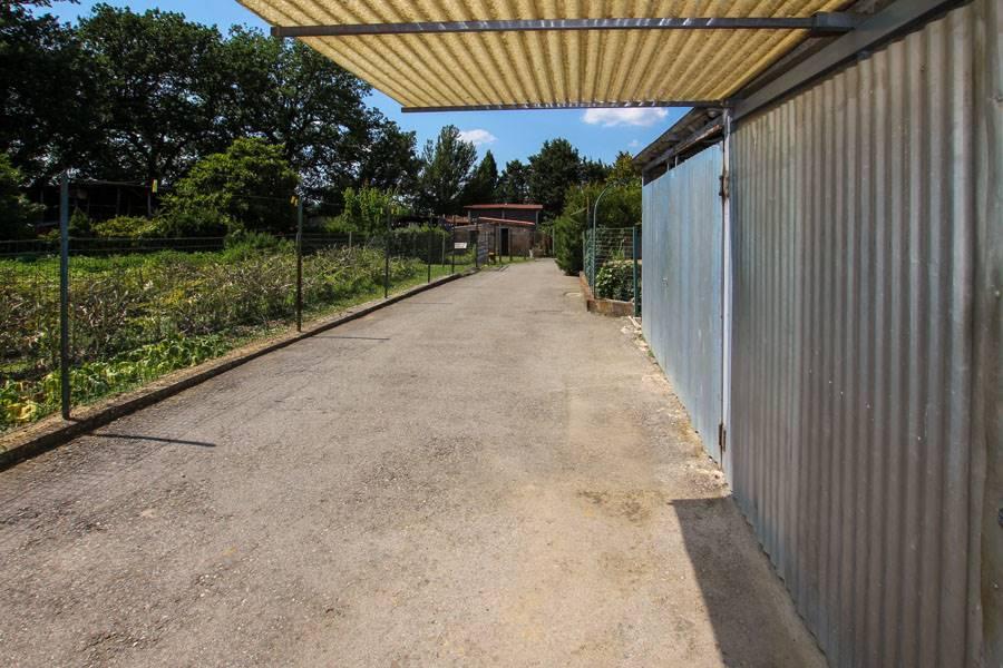 strada accesso garage