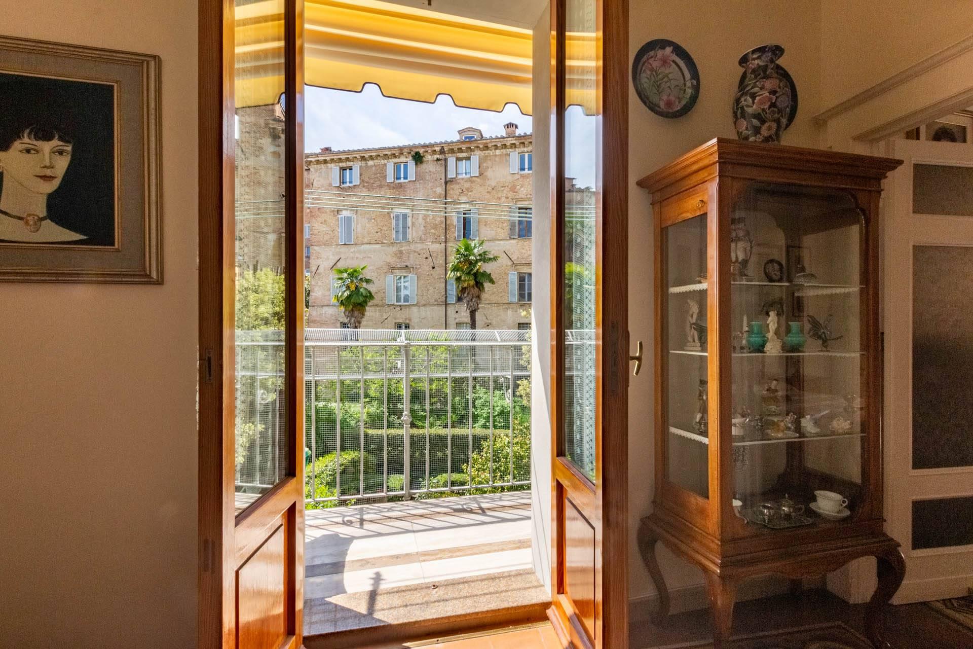 studio accesso balcone