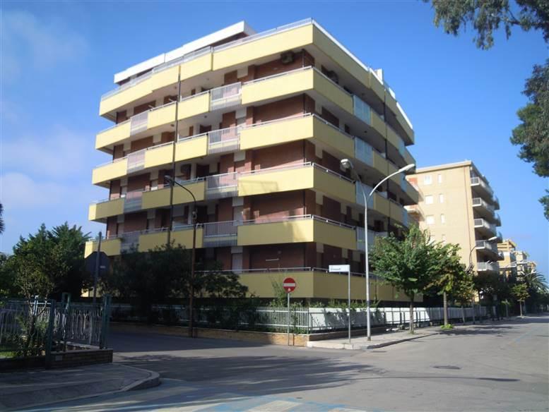 Appartamento in Via Vanoni Angolo Via Einaudi, Lido Di Campomarino, Campomarino