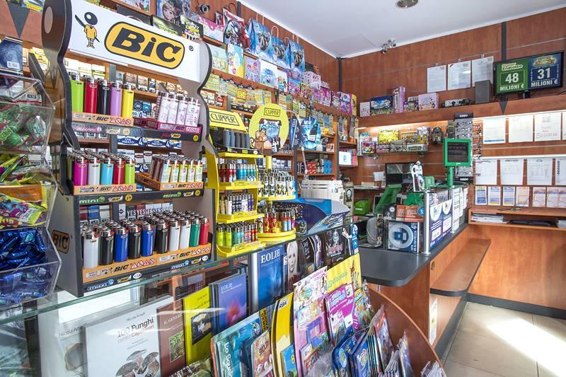 Immobile Commerciale in vendita a Santa Teresa di Riva, 2 locali, prezzo € 375.000 | CambioCasa.it