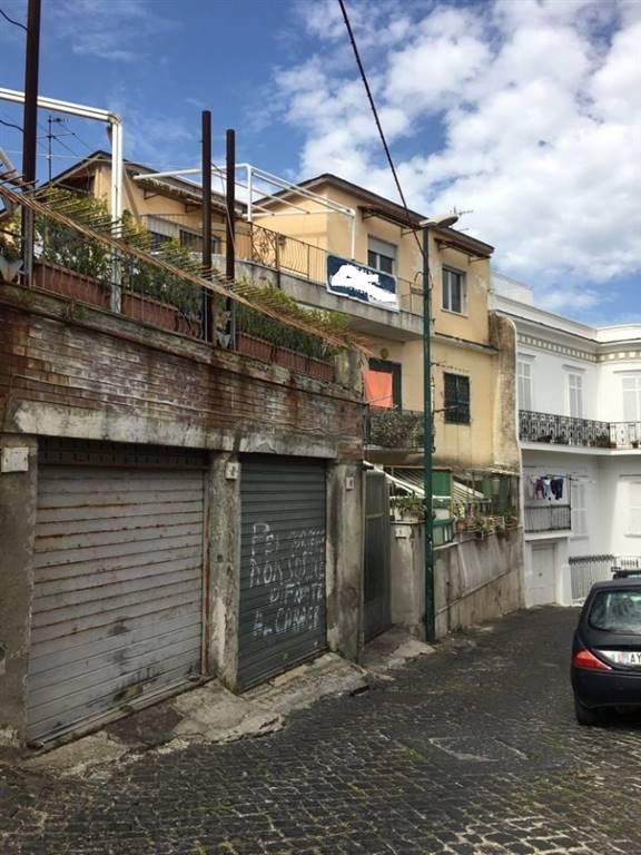 Bilocale, San Carlo Arena , Capodimonte, Napoli, da ristrutturare