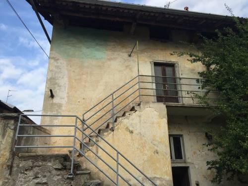 Appartamento in vendita a Comabbio, 3 locali, prezzo € 38.000 | CambioCasa.it