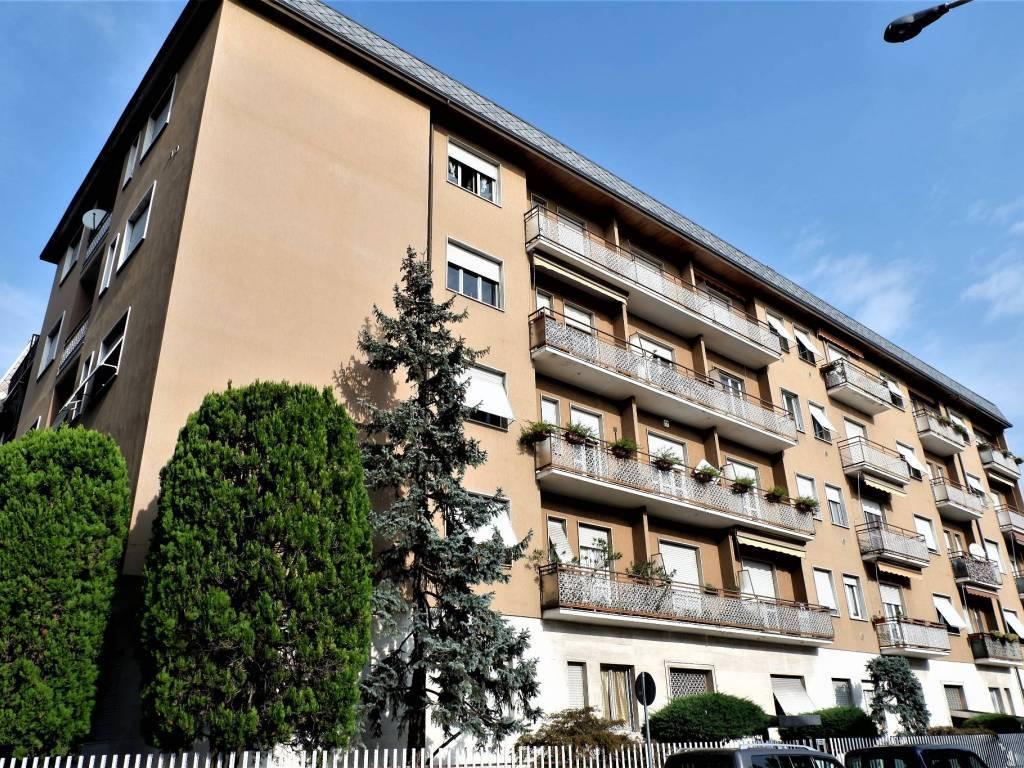 Vendita Trilocale Appartamento Legnano Via d'Azeglio  70 176840
