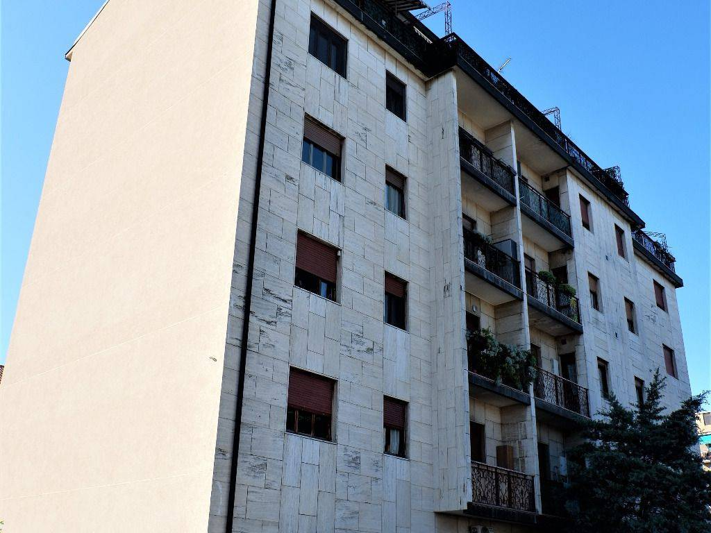Appartamento in vendita a San Vittore Olona, 3 locali, prezzo € 89.000 | CambioCasa.it