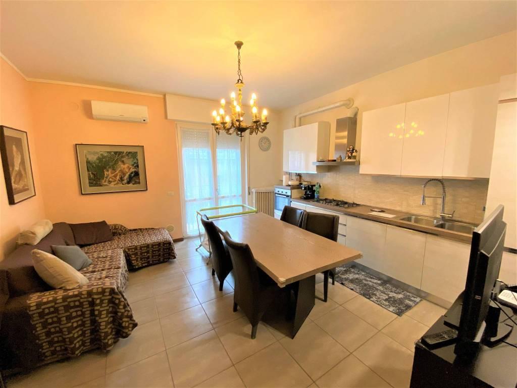 Vendita Trilocale Appartamento Legnano via Bollini 8 195107