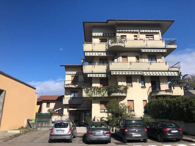 Appartamento in vendita a Parabiago, 3 locali, zona Zona: Villastanza, prezzo € 159.000 | CambioCasa.it
