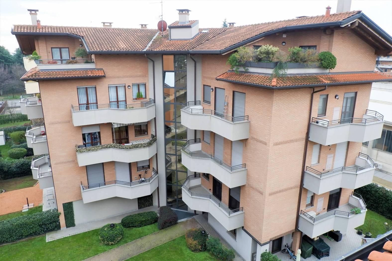 Vendita Quadrilocale Appartamento Legnano via sauro  220112