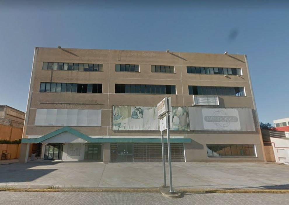 Laboratorio in vendita a Sassari, 5 locali, prezzo € 257.000 | CambioCasa.it