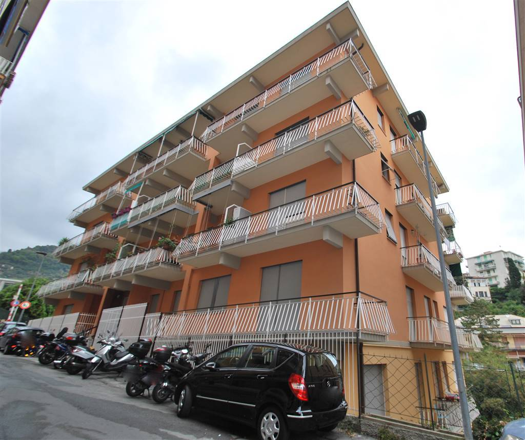 Quadrilocale in Via Baisi, Rapallo