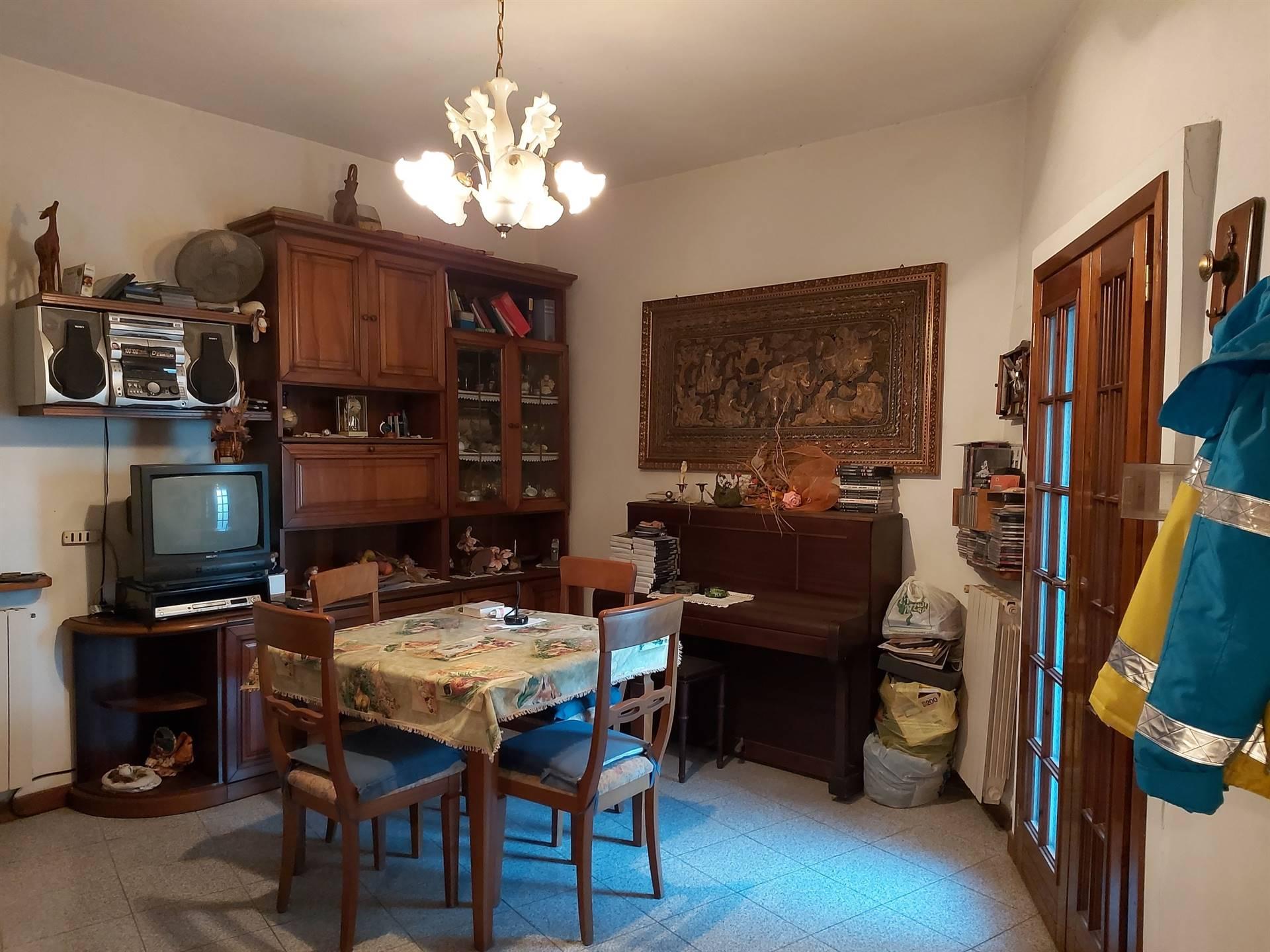 BONELLE, PISTOIA, Appartamento in vendita di 110 Mq, Abitabile, Riscaldamento Autonomo, Classe energetica: G, Epi: 131,85 kwh/m2 anno, posto al piano