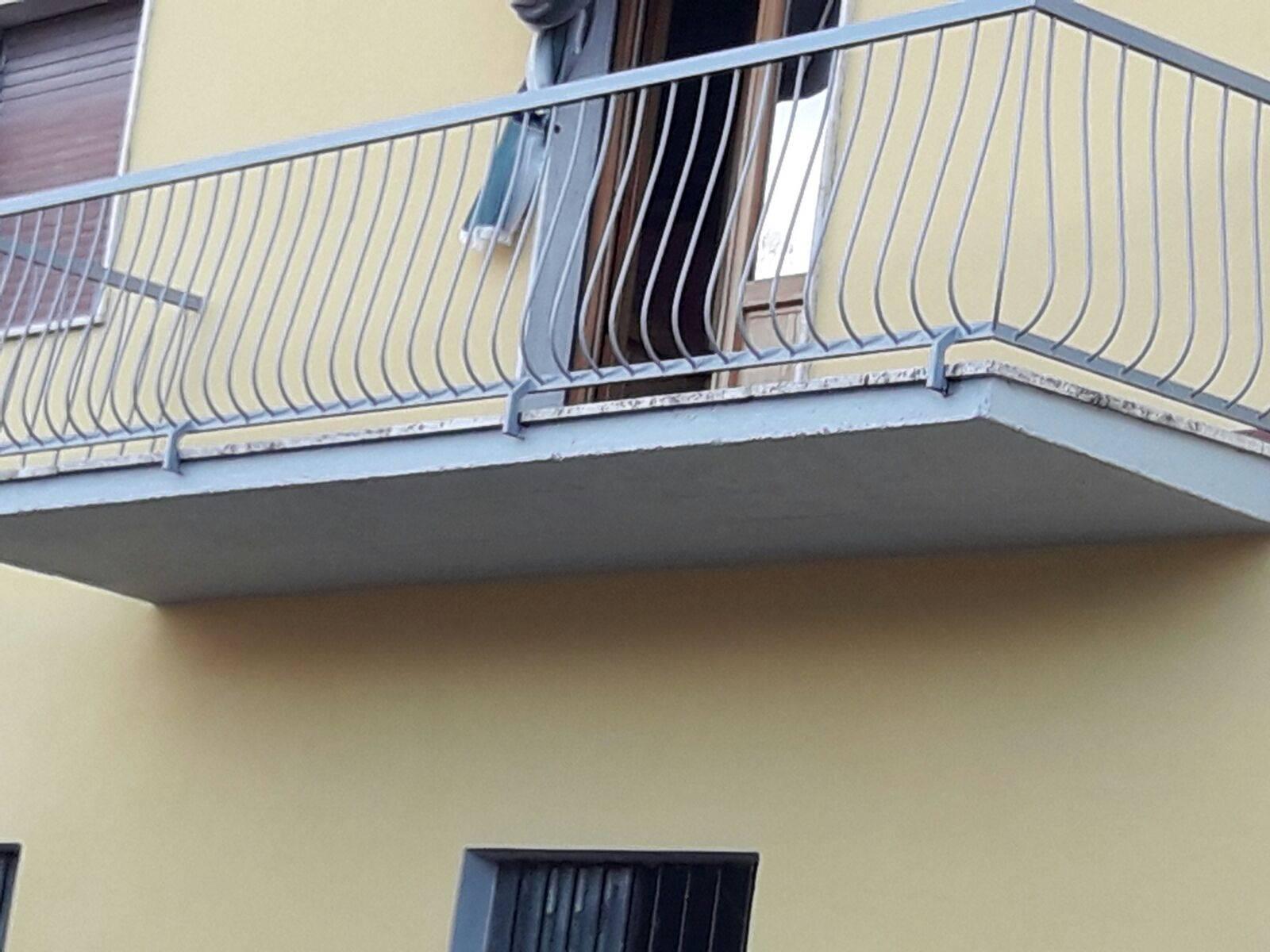 PISTOIA EST, PISTOIA, Casa singola in vendita di 300 Mq, Abitabile, Riscaldamento Autonomo, Classe energetica: G, composto da: 5 Vani, Cucina