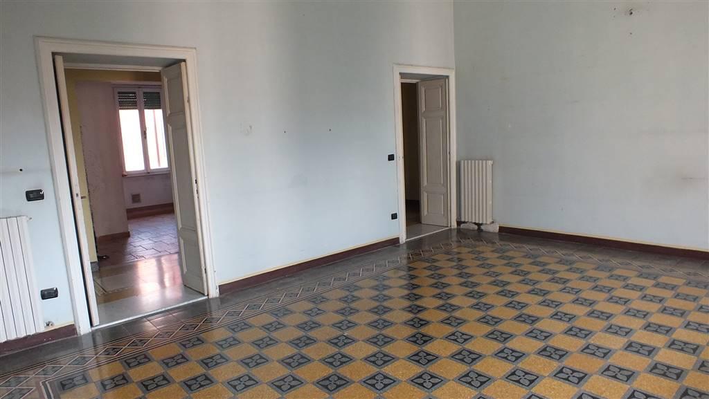 Appartamento in Viale Goffredo Mameli 52, Livorno