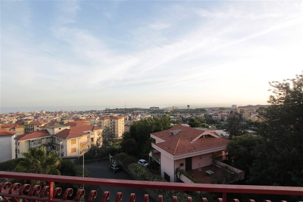 Quadrilocale in Via Fratelli Bandiera, Gravina Di Catania
