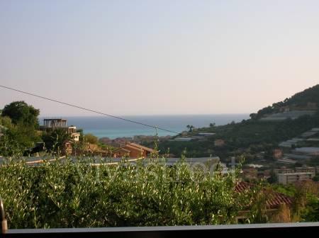 Trilocale in Via Sapergo, Bordighera