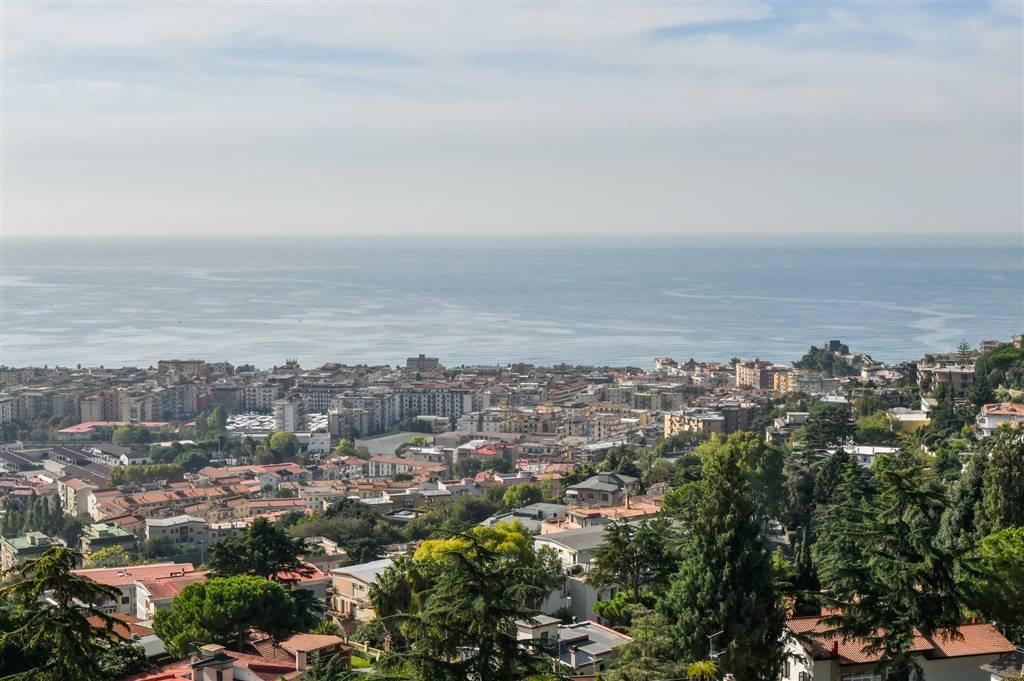 Appartamento in Viale Degli Olmi  22, Ginestre , Sala Abbagnano , Panoramica , Casa Manzo, Salerno