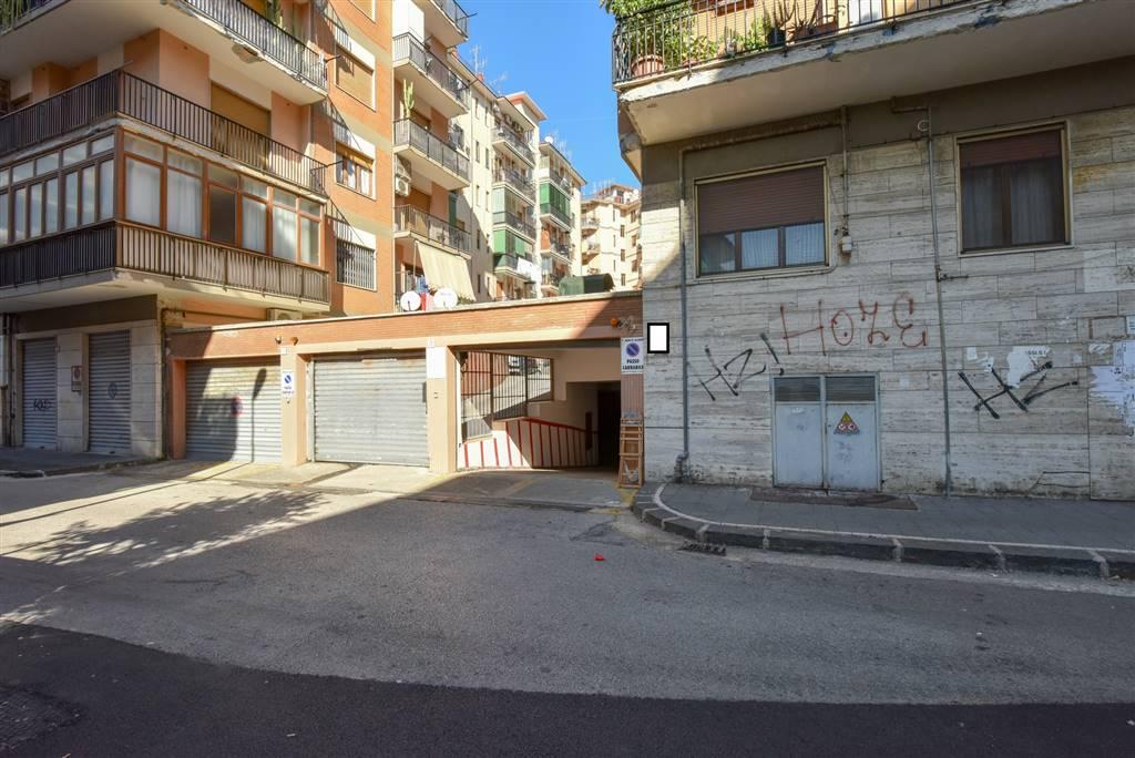 Garage / Posto auto in Fiume 10/14, Mercatello, Salerno