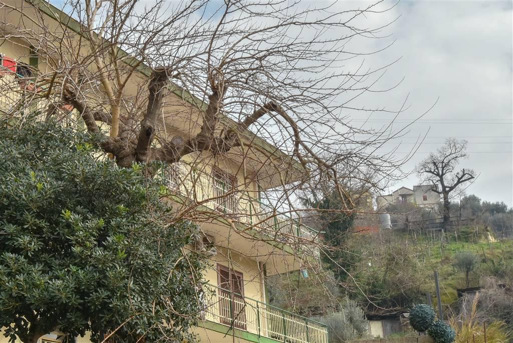Trilocale in Via San Pio Da Pietralcina  6, Eustachio, Salerno