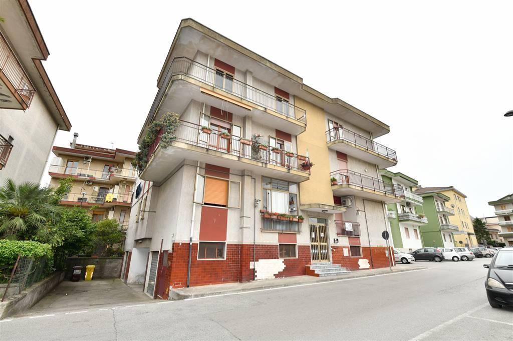 LANCUSI, FISCIANO, Appartamento in vendita di 100 Mq, Buone condizioni, Riscaldamento Autonomo, Classe energetica: G, Epi: 150,945 kwh/m2 anno, posto