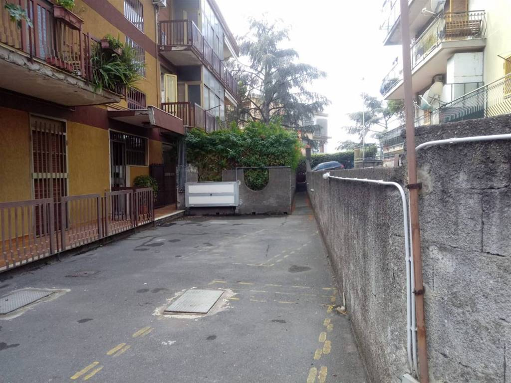 Bilocale in Via Due Obelischi, Gravina Di Catania