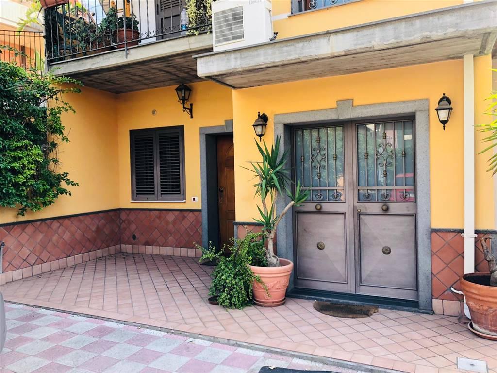 Appartamento indipendente in Via Alessandro Volta 22, Gravina Di Catania