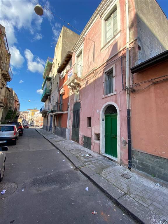 Casa semi indipendente in Via Costantino 11, Catania