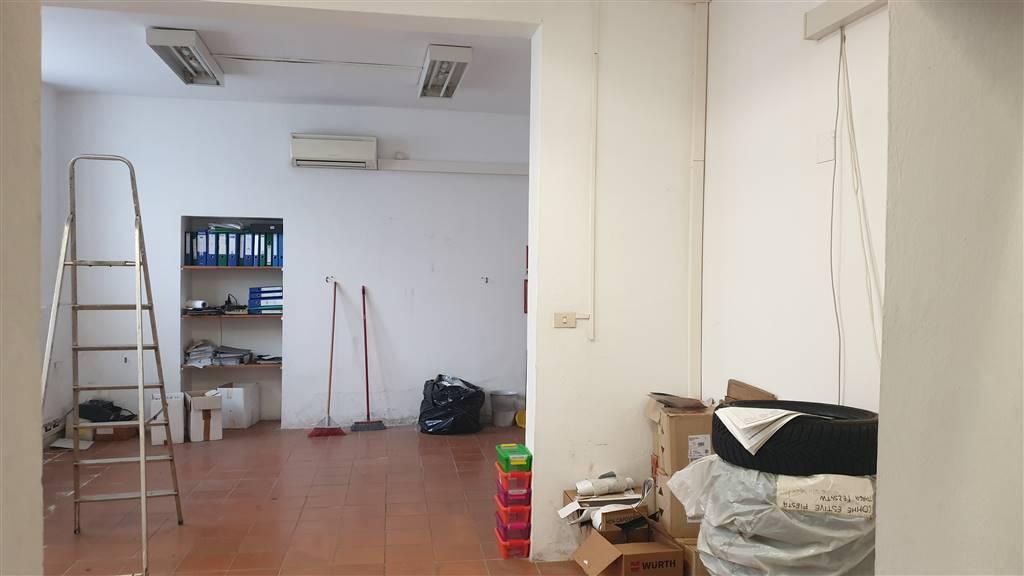 PIAZZA LEOPOLDO, FIRENZE, Entrepôt des vendre de 180 Mq, À restauré, Chauffage Inexistant, Classe Énergétique: G, Epi: 175 kwh/m3 l'année, par terre