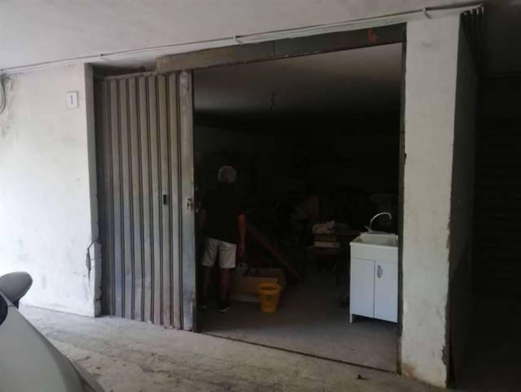 Garage / Posto auto in Via Vincenzo Bellini 63, Sant'agata Li Battiati