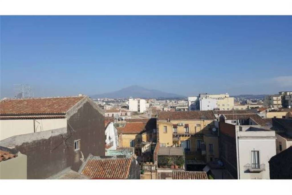 Trilocale in Via Luigi Capuana, Via Etnea - Via Umberto, Catania