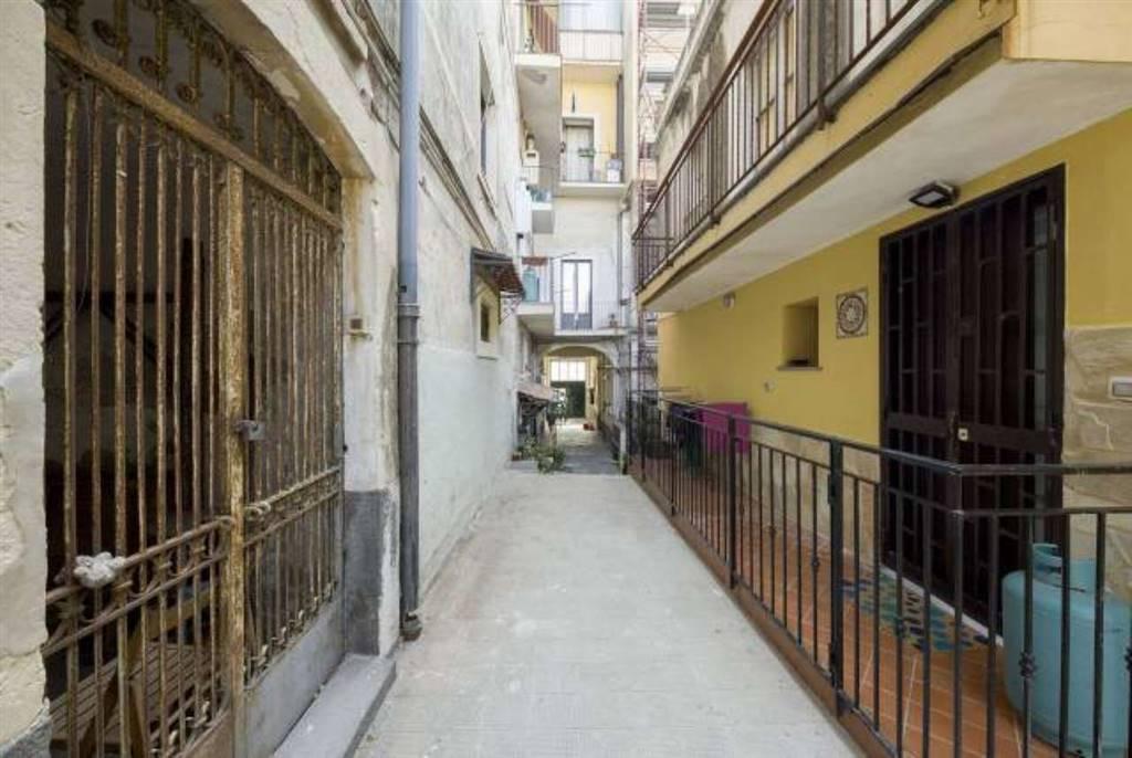 Bilocale in Via Plebiscito, Catania