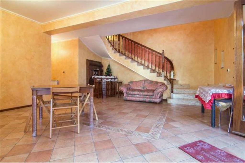 Villa in Via Roma, 244, Mascalucia