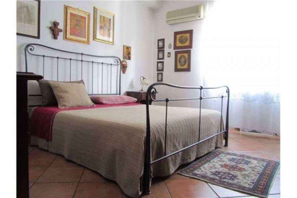 Appartamento in Via Carrubella, Gravina Di Catania