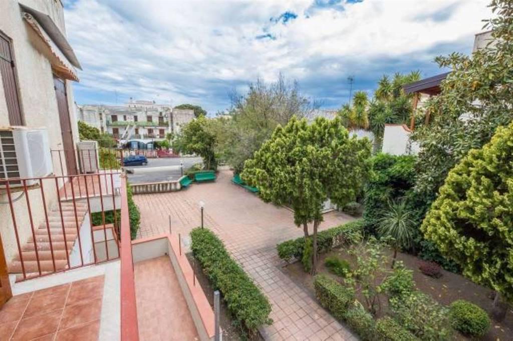 Trilocale in Via Recanati, 20, Giardini-naxos