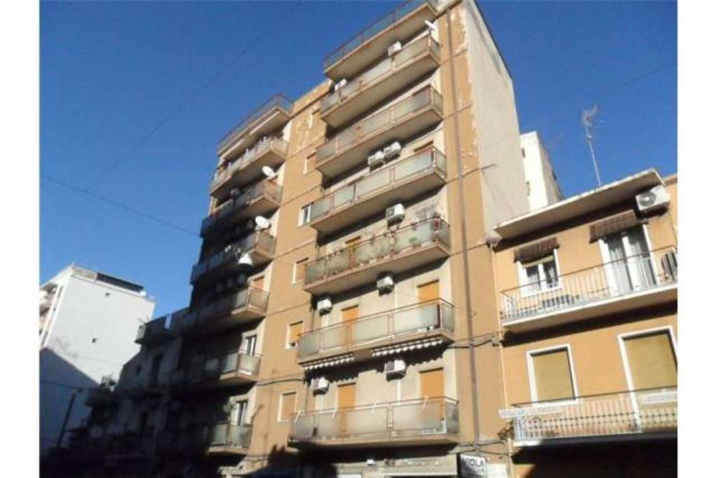 Appartamento in Via Ammiraglio Caracciolo, 49, Viale M. Rapisardi - Lavaggi, Catania