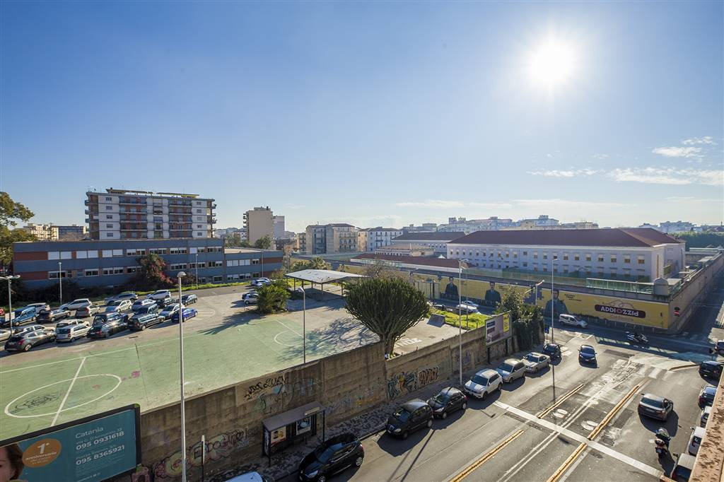 Appartamento in Via Ala 61, Borgo, Catania