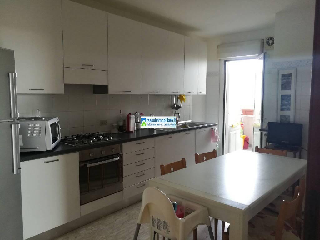 Appartamento in vendita a Ortona, 5 locali, prezzo € 108.000   CambioCasa.it